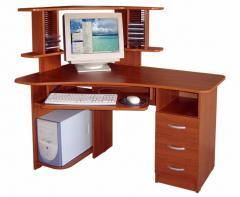 Изготовление компьютерных столов из натурального