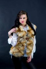 Mekhovy vest from a fox from the producer