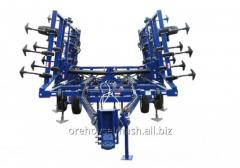 Cultivator for continuous processing of the soil