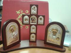 Иконостас в виде Креста с иконами справа и слева
