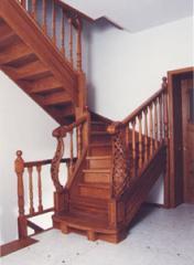Лестница классическая на тетиве