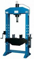 Floor hydraulic press of 50 t of OMA 658B