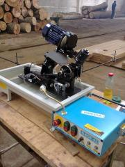 Automatic tool-grinding the machine for sharpening