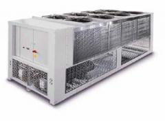Water chiller with screw compressors and with