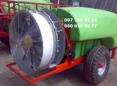 Вентиляторный опрыскиватель садовый  ВИХОР-2000