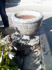 Цветочница фигурная для памятника из гранита