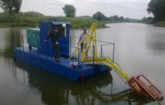 Mini dredger for cleaning the water Karp