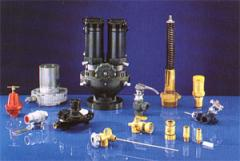 Fittings capacitor and operating