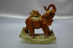 Figurine the Elephant on money