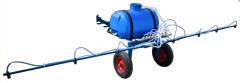 Sprayer hook-on to the motor-block