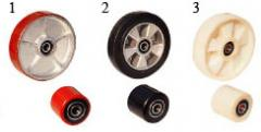 Wheels and rollers for hydraulic carts