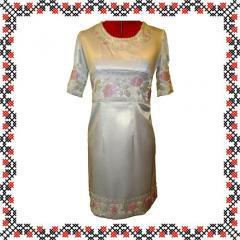 Платье атласное вышитое бисером