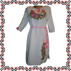 Платье с вышивкой льняное. розовый поясок