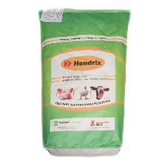 Белково-витаминно-минеральные добавки для свиней