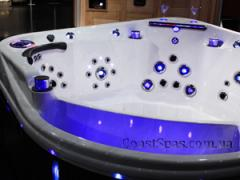 All-weather hydromassage Spa pools of new