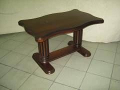 Table journal MOZART, the photo of a wooden table,