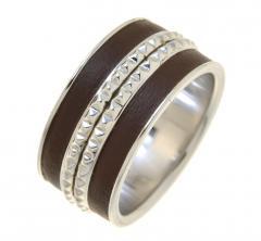 Серебряное кольцо со вставкой из натуральной кожи