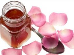 Syrup from petals of tea rose natural
