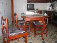 Столи кухонні