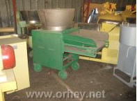 Crusher for crushing of vegetables and fruits