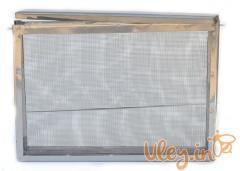 Insulator mesh zinced on a beehive like