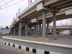 Viadutos, plataformas de carga e levantamento para
