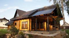 Дом деревянныйиз оцилиндрованного бруса,сруб