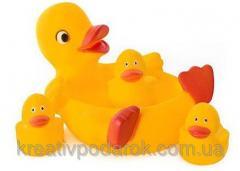 Игрушки для купания Утка с утятами (пищалка)