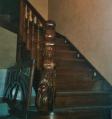 Лестница дубовая на косуорах, тонированная