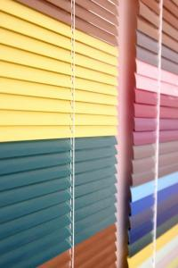 Blinds horizontal aluminum 16 mm and 25 mm.