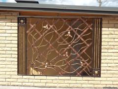 Решетка на окно из художественной ковки № 1