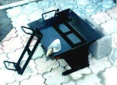 Equipment for the production of slag blocks