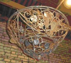 Кованые фонари, люстры, подсвечники