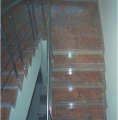 Лестница мраморная, гранитная с ограждением н/ж
