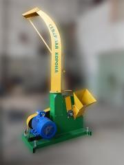 Tractor chipping machine