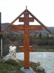 CROSS ON THE GRAVE, THE CARVING, THE CHRIST'S