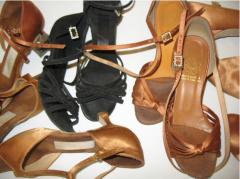 נעליים לריקודים סלוניים