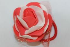 Красивые розы на резинке