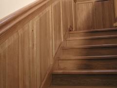 Лестницы из массива натурального дерева