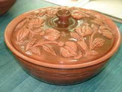 Potter's bowl with a cover.