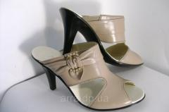 Sabot beige with an open toe from genuine leather