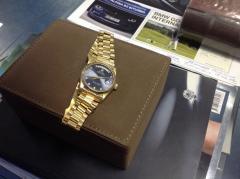"""Золотые часы """"Rolex""""."""