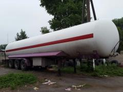 The semi-trailer tank for transportation of the liquefied propane gas