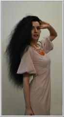 Романтичное платье розово-пудрового цвета, силуэт