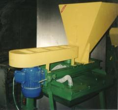 Grain and seeds cleaning and calibration equipment
