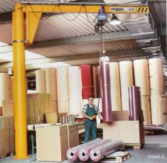 The rotary crane on D-TS column
