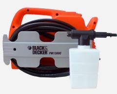 Мойка высокого давления Black&Decker PW 1300С compact.