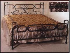 Кровати кованые.