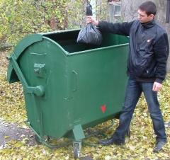 Контейнеры и баки для мусора