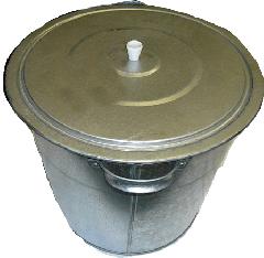 Баки оцинкованые емкостью 15 и 32 литров для